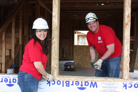 Fluor volunteers participate in a variety of projects in communities in which they live and work. (Photo: Business Wire)