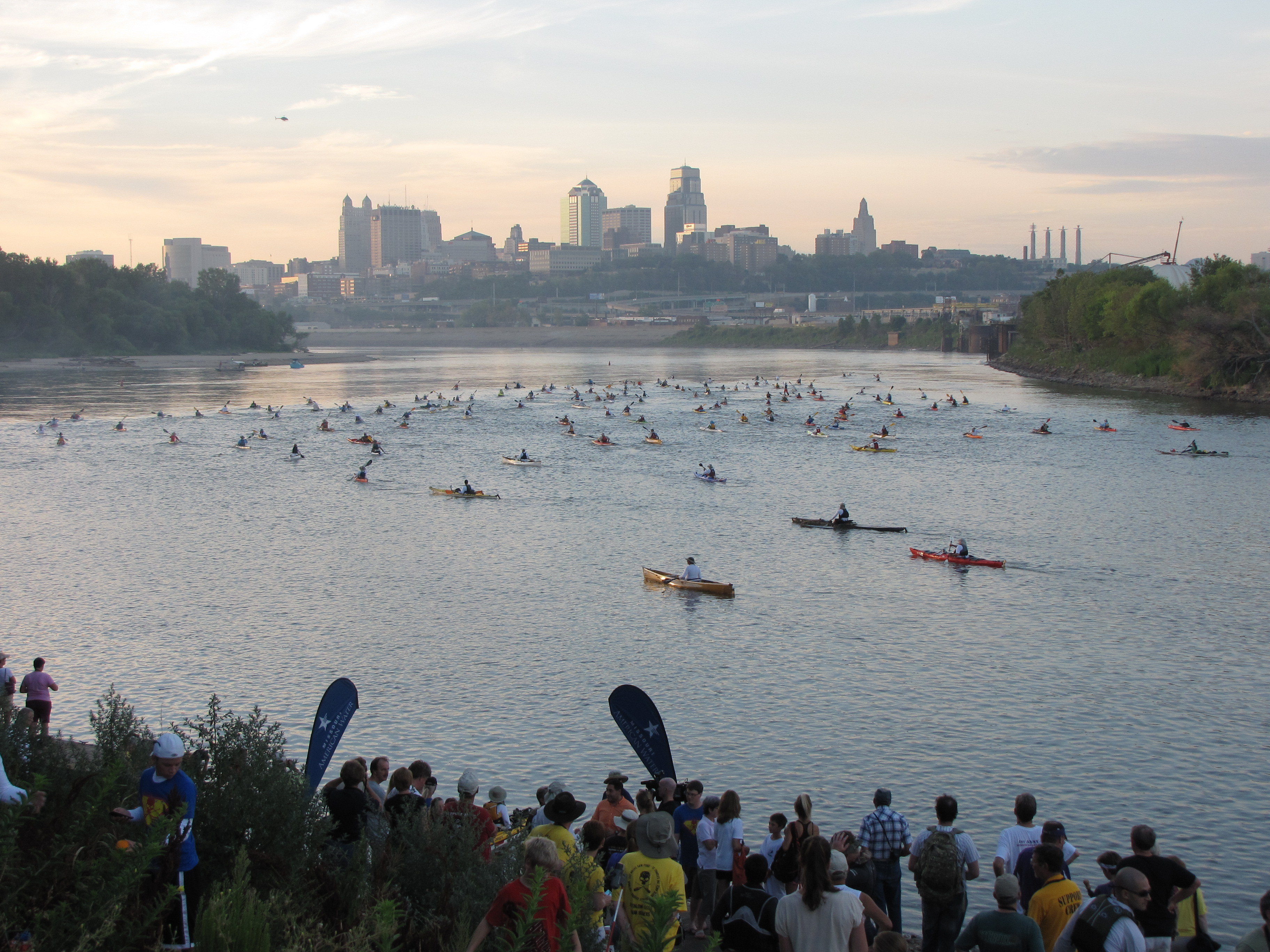More than 400 boats leave Kansas City in the 2013 Missouri American Water MR340 river race. (Photo: Business Wire)