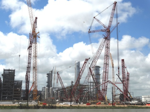 Construction on Dow's on-purpose propylene PDH project in Freeport, Texas is more than 30 percent complete -- part of the Company's multi-billion dollar investments on the U.S. Gulf Coast. (Photo: Business Wire)