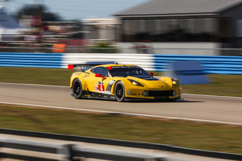 In Multiyear Agreement, Chevrolet Corvette C7.Rs to Benefit from Mobil 1™ Fully Synthetic Oil. (Photo: Business Wire)