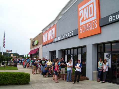 2nd & Charles' newest store had an exciting celebration to mark the grand opening of their Dothan lo ...