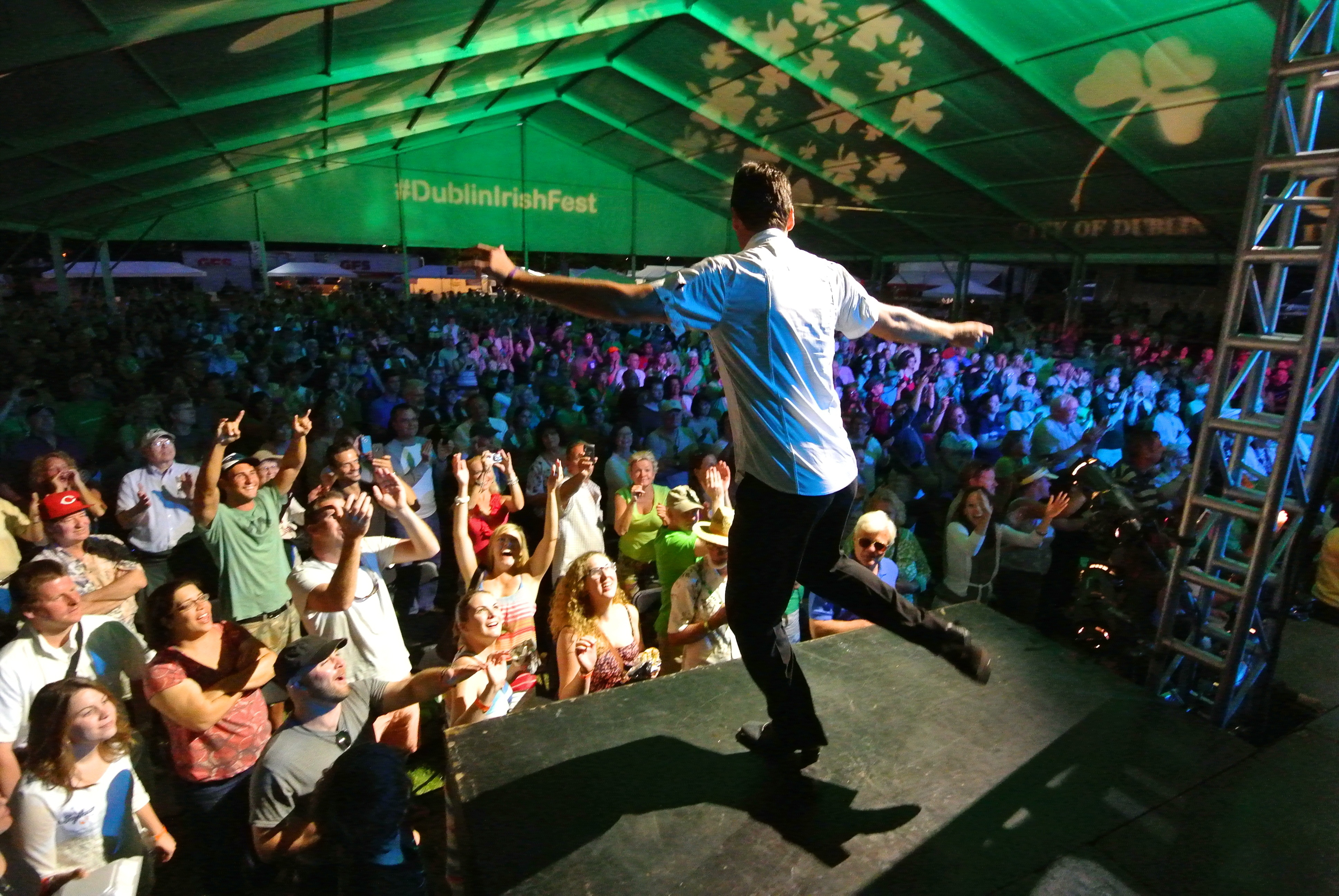 Dublin Irish Festival guests enjoy Irish entertainment on one of seven stages at #DublinIrishFest. (Photo: Business Wire)