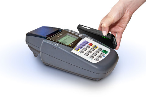 LoopPay charge case at Point of Sale (Photo: Business Wire)