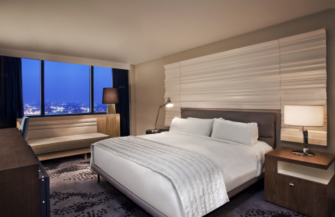 Le Meridien Nola Guestroom (Photo: Business Wire)