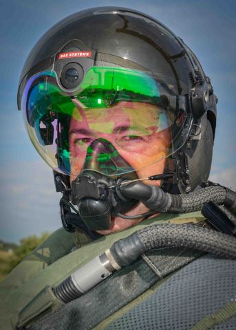 BAE Systems' Striker II helmet integrates exceptional night vision and tracking technology into a fu ...