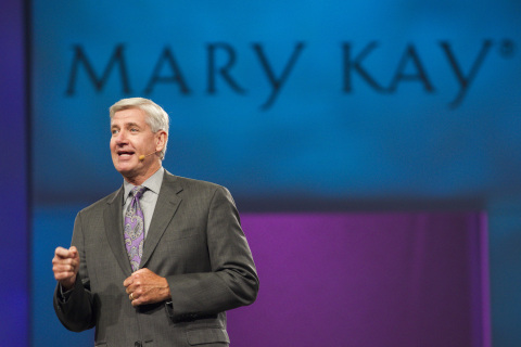 Darrell Overcash, president of Mary Kay U.S., delivers his opening keynote address at Mary Kay Seminar to 30,000 attendees. More than 220,000 new independent sales force members in the U.S. have started a Mary Kay business in the first half of 2014. (Photo: Business Wire)