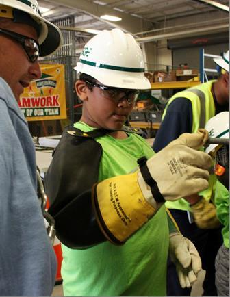 BGE utility employees spend one-on-one time with scholars from the Higher Achievement, Baltimore Sum ...