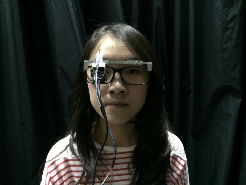 A prototype pupillometer designed for a patient to wear for a half hour or so in a doctor's office and test for diabetic autonomic neuropathy. It may help diagnose the condition sooner, leading to better treatment outcomes. Credit: M. Ou-Yang, National Chiao-Tung University, Taiwan.