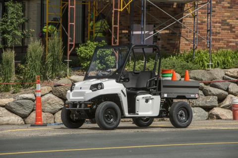 Polaris adds an eM1400 LSV to its line of 2015 GEM vehicles. (Photo: Polaris Industries)