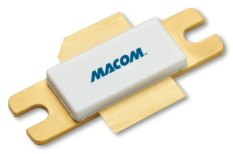 The MAGX-001214-650L00 is a gold-metalized pre-matched GaN on Silicon Carbide transistor that offers the highest peak power in the industry for a single-ended power transistor optimized for pulsed L-Band radar applications. The device guarantees 650 W of peak power with a typical 19.5 dB of gain and 60% efficiency. (Graphic: Business Wire)