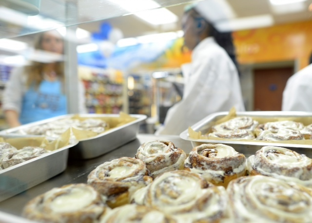 Cinnabon cinnamon rolls are now available at over 100 Pilot Flying J travel centers nationwide. (Photo: Business Wire)