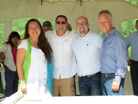 EDF EN Canada and McLeod Lake Indian Band (from left to right): Deborah Prince (Lands Manager, MLIB), Chief Derrek Orr (Chief, MLIB), David Warner (Associate Developer, EDF EN Canada), Ron Percival (Avro Wind Energy) (Photo: Business Wire)