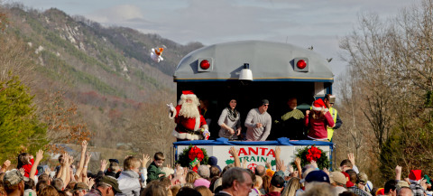 Country music duo Thompson Square hands out toys during the 2011 CSX Santa Train. Photo credit: Ed Rode