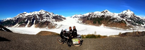 Büttiker_Sachs_Panamericana_1: Just like almost all motorcyclists, Sylvia Sachs and Daniel Büttiker from Switzerland are great adventurers and trip enthusiasts. Photo: Delticom, Hanover (Photo: Business Wire)