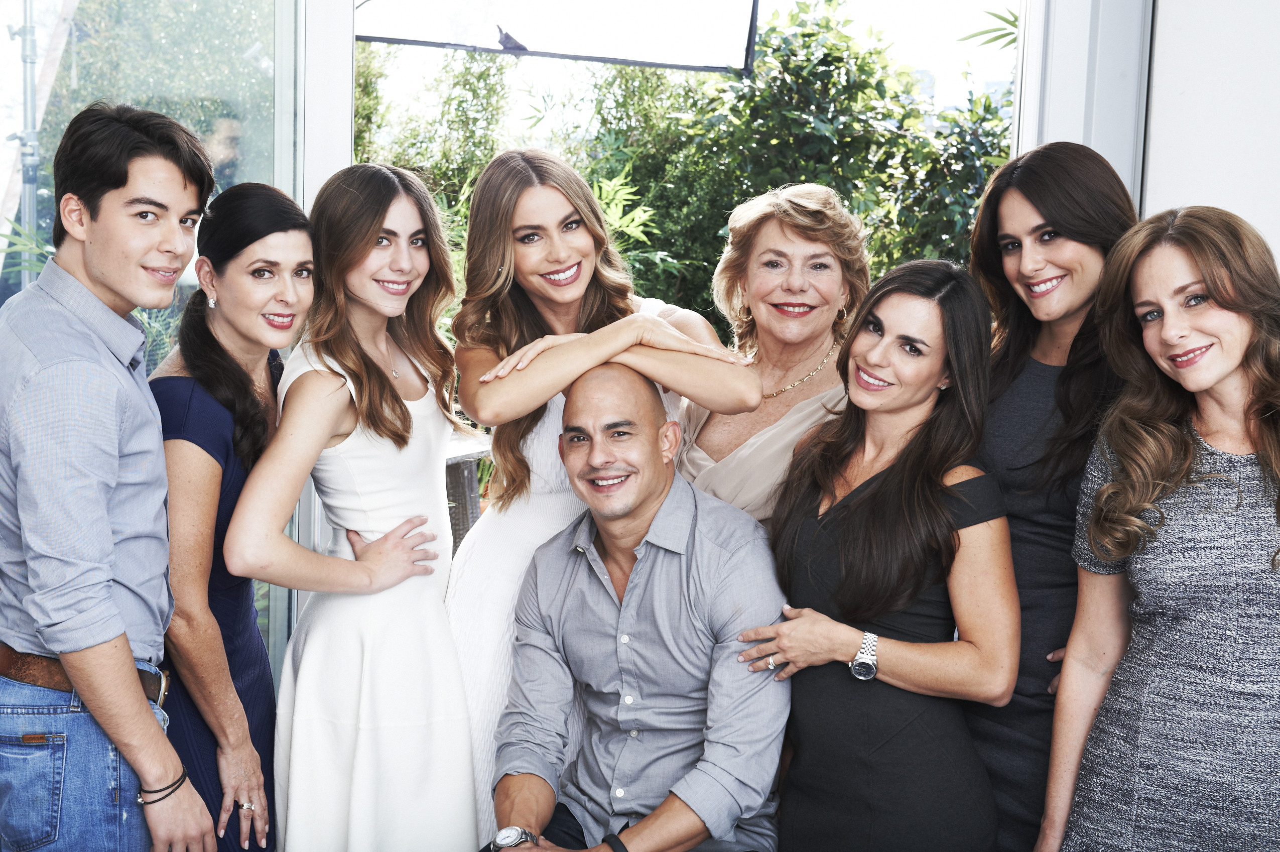 8 out of 9 Vergara use Head & Shoulders, now it's your turn to prove that you can be #PartOfOurFamily! Follow @HeadShoulders on Twitter or Instagram and share a photo of your flake-free hair with the hashtag #PartOfOurFamily #sweeps @HeadShoulders for a chance to meet Sofia Vergara! (Photo: Business Wire)
