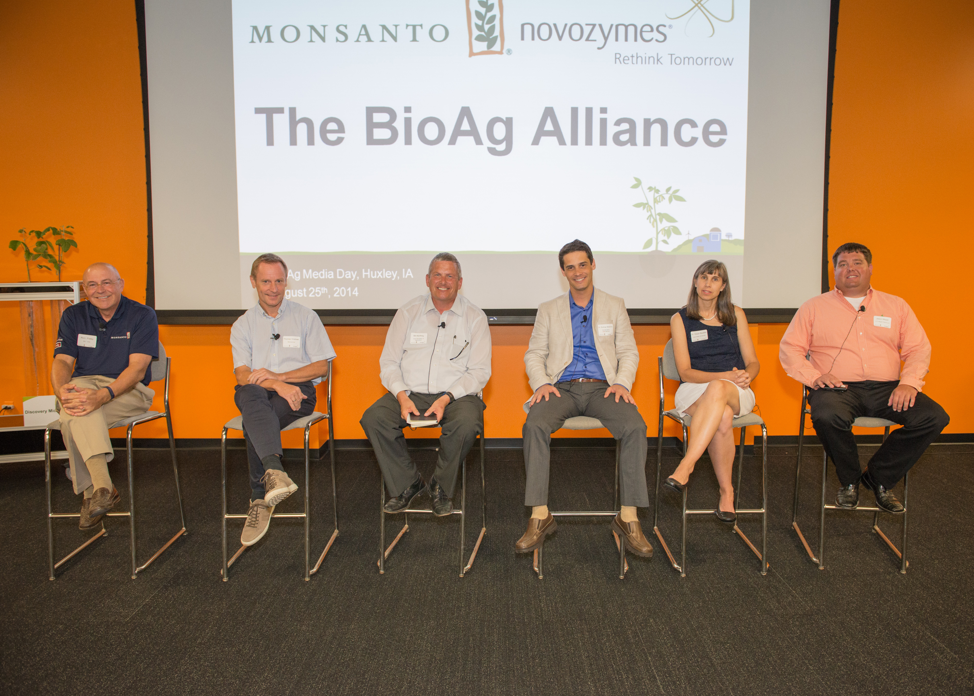 Novozymes and Monsanto convene a panel of experts in Huxley, Iowa, to discuss microbial agricultural solutions that can help farmers address future challenges in a sustainable way. Panelists (from left to right) include: Robb Fraley, EVP and CTO at Monsanto; Thomas Videbæk, EVP at Novozymes; Bill Northey, Iowa secretary of agriculture; Dr. Rodrigo Medeiros, senior director for science of Conservation International´s Americas Field Division; Dr. Gwyn Beattie, distinguished professor at Iowa State University; Jason Mayer, J. R. Mayer Farms LLC. (Photo: Business Wire)
