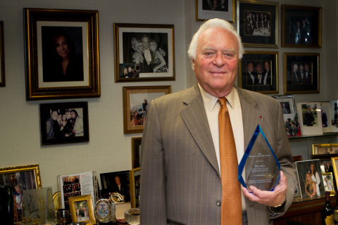 Mel Dick, President, Wine Division, and Senior Vice President, Southern Wine & Spirits of America, Inc. (Southern), accepts African Leadership Magazine's 2014 U.S.-Africa Business Leadership Award in honor of Southern's dedication to the South African wine industry. (Photo: Business Wire)