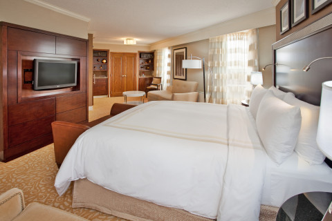 Cornhusker Hotel Corner Suite (Photo: Business Wire)