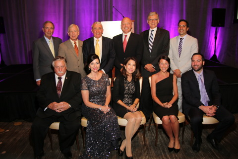 2014 Wireless Hall of Fame presenters and inductees: (back row from left) Sam Ginn, Lowell McAdam, Jan Uddenfeldt, Angel Ruiz, Tom Wheeler, and Jason Conway. (front row from left) Bill Carlson, Kari Carlson, Magda Conway, Becky Conway and Justin Conway. (Photo: Business Wire)