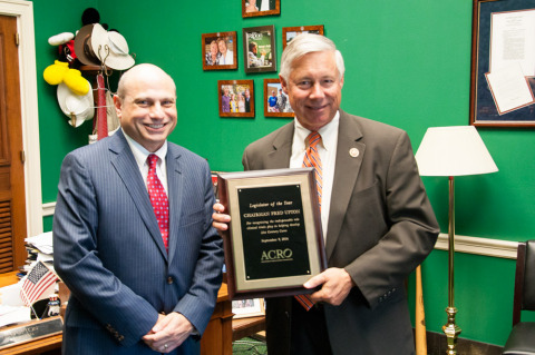 ACRO's John Lewis presents Chairman Fred Upton (R-MI) with ACRO's 2014 Legislator of the Year Award. (Photo: Business Wire)