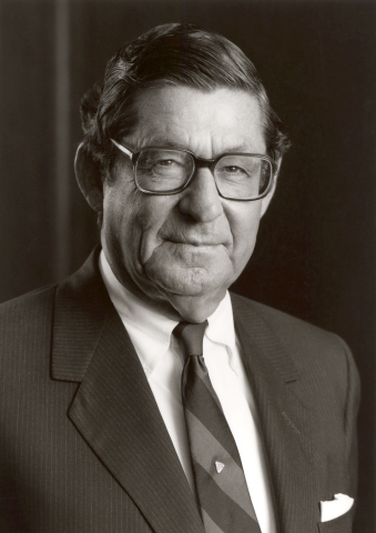 H. Russell Smith, key leader in Avery Dennison history, died Sept. 7 at the age of 100. (Photo: Business Wire)