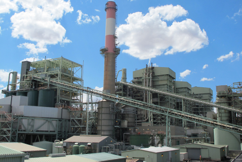 Under a proposal to the Environmental Protection Agency, Arizona Public Service Co. will close its 260-megawatt Unit 2 at the coal-fired Cholla Power Plant in Joseph City, Ariz., by April 2016 and stop burning coal at the other APS-owned units (1 and 3) by the mid-2020s. The proposal is subject to EPA and state regulatory approvals. (Photo: Business Wire)