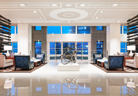 Westin Atlanta Perimeter North Welcomes Guests with Inviting Lobby (Photo: Business Wire)
