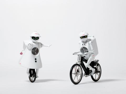 MURATA GIRL (Left) and MURATA BOY (Right) (Photo: Business Wire)