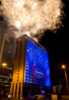 Hampton by Hilton Warsaw City Centre celebrated its grand opening with live music, local cuisine and a fireworks extravaganza, visible across the city of Warsaw, Poland. (Photo: Business Wire)