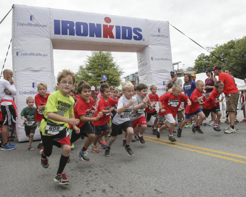 Young kids get a fast start out of the gate at the UnitedHealthcare Chattanooga Fun Run in their quest to be IRONKIDS. Source: Steven Llorca