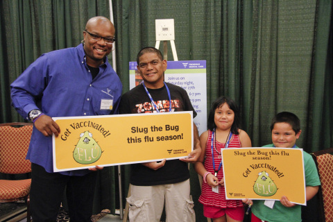 Fresenius Medical Care spokesperson, celebrity chef Aaron McCargo Jr., met with patients and their families at the AAKP conference to help raise awareness around healthy eating and the importance of the flu vaccine. (Photo: Business Wire)