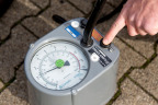 To check your tyre pressure is crucial. So-called tyre pressure monitoring systems (TPMS) provide added safety and greater fuel economy. (Photo: Business Wire)