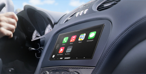 In dash view of the Alpine iLX-007 for Apple CarPlay (Photo: Business Wire)