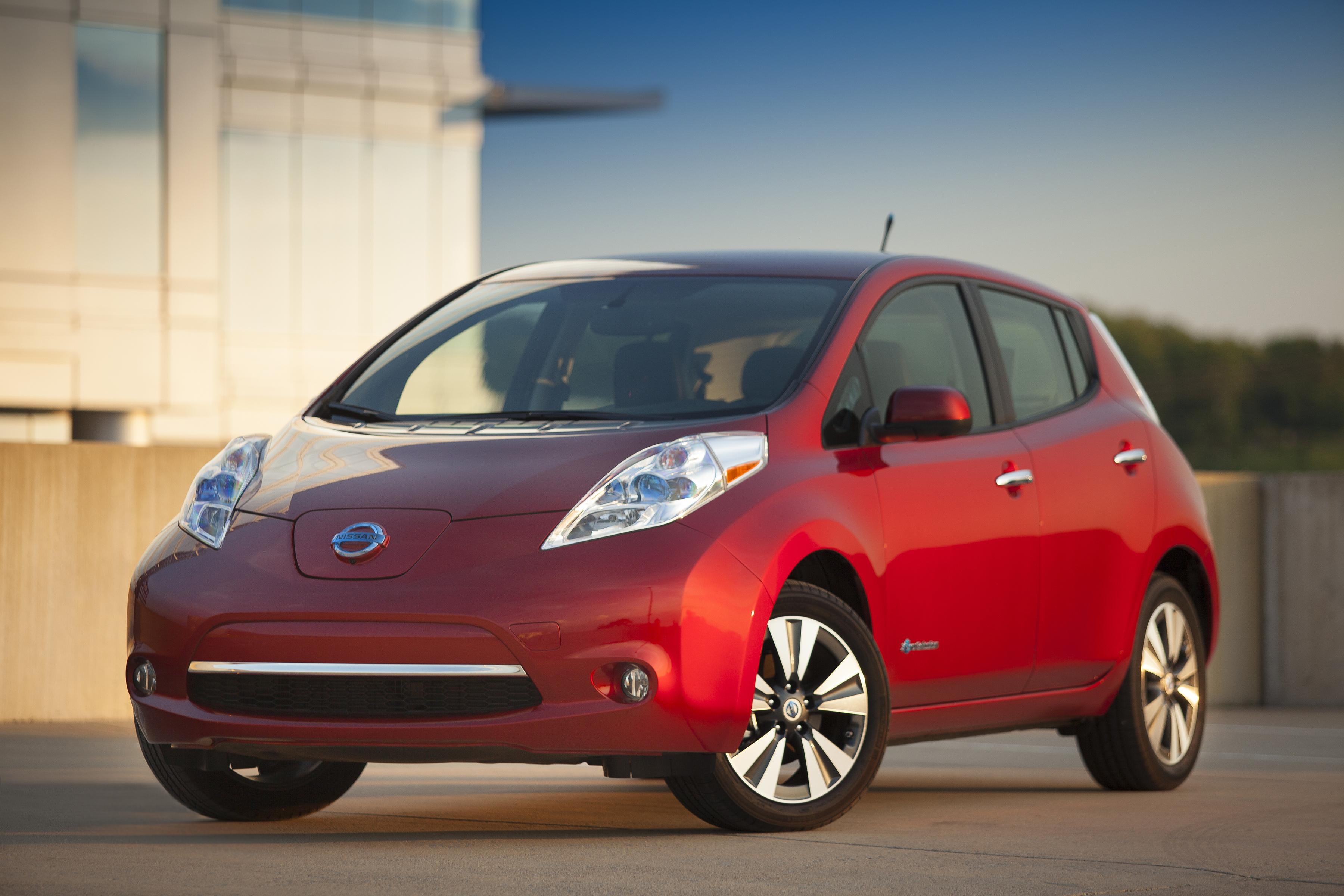testing autonomous fleet in self urban undergoes nissan driving news car electric london leaf