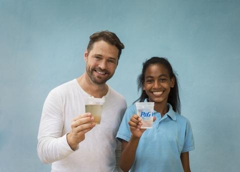 La campagne pour offrir l'accès l'eau potable invite les Québécois et Québécoise à joindre la lutte contre la crise mondiale de l'eau (Photo: Business Wire)