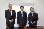 At the signing ceremony (From left: Hideyuki Ariyasu, Chief Executive Officer, Hitachi Plant Qatar; Kunizo Sakai, Vice President and Executive Officer, President & CEO of Infrastructure Systems Company,Hitachi; Professor Sheikha Abdulla Al-Misnad, President, Qatar University) (Photo: Business Wire)