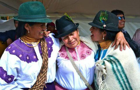 """La foto de Sandrena Frischer, """"Mujeres Inti Raymi"""" tomada en Ecuador fue seleccionada como la foto ganadora del concurso 2014 de fotos de Amigos y United Airlines. (Foto: Business Wire)"""