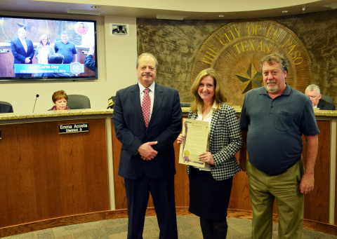 El Paso Mayor Oscar Leeser, Site Director Terri Hathaway and Client Services Alan Neely at El Paso City Hall recognizing November 11 as AloriCares Day. (Photo: Business Wire)