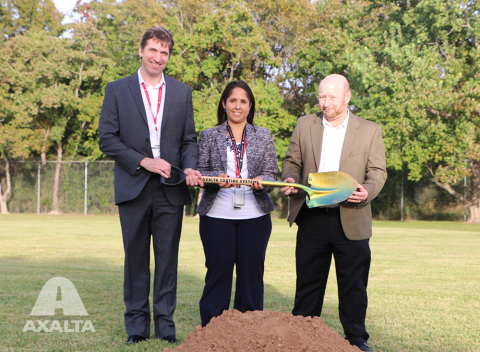 Pictured Left to Right: Gilles Georges, Axalta's Powder Coatings Business Director in North America; Josselyn Rosario, Axalta's Houston Plant Manager and Randall Willis, Axalta's Director of N. America Operations and Supply Chain (Photo: Business Wire)
