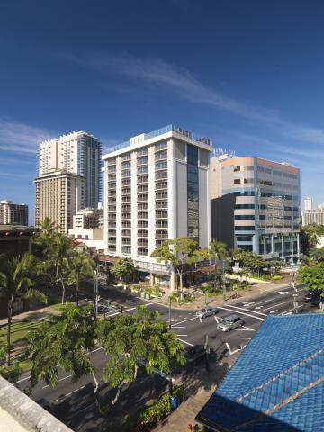 Hokulani Waikiki by Hilton Grand Vacations Club (Photo: Business Wire)