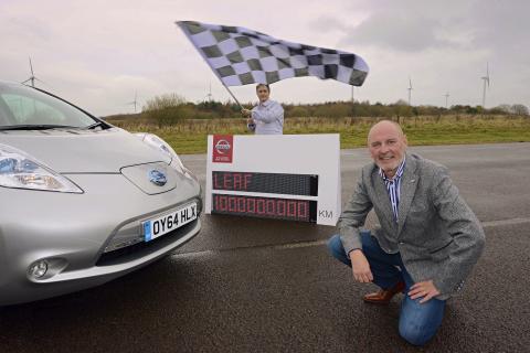 Uno de los primeros propietarios del Nissan LEAF, Kevin Slowther, ayudó al gigante automotriz a cons ...