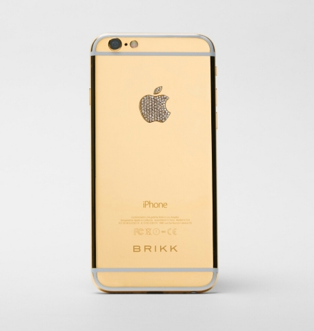 The Lux iPhone 6 Plus in 24k yellow gold with diamond logo by Brikk (Photo: Business Wire)