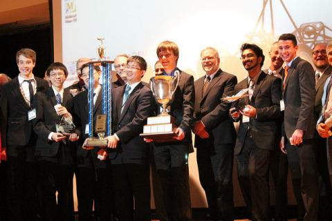2013-2014 Real World Design Challenge Champions Team Next Level South Burlington, Vermont (Photo: Bu ...