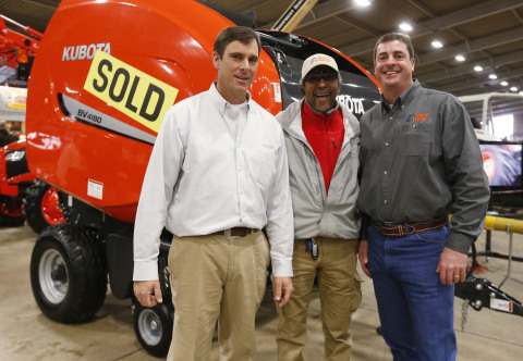 Customer Frank Westbrook at the Tulsa Farm Show with Kubota Dealer, John Scott (right), of Kubota Center West Tulsa, and Clay Young (left), Kubota Hay & Implement Business Development Manager. (Photo: Business Wire)