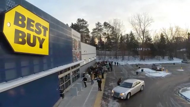 Best Buy makes last-minute holiday shopping easy and convenient. (Video: Best Buy)