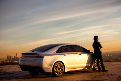 Matthew McConaughey and the 2015 Lincoln MKZ Hybrid (Photo: Business Wire)