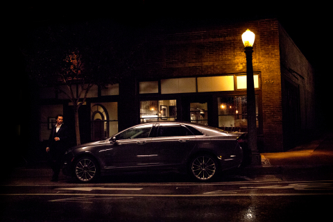Actor Matthew McConaughey and the 2015 Lincoln MKZ (Photo: Business Wire)