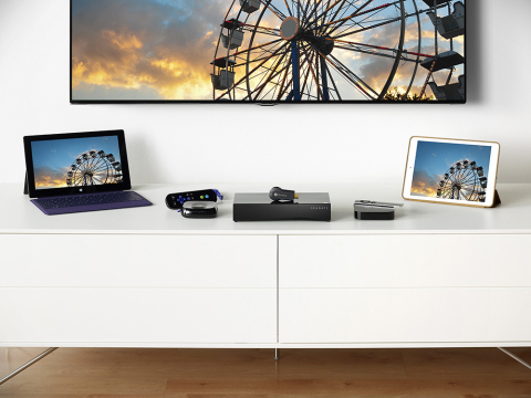 Seagate Personal Cloud easily streams content to smartphones, set-top boxes, tablets, PCs, SmartTVs and other DLNA-equipped devices. (Photo: Business Wire)