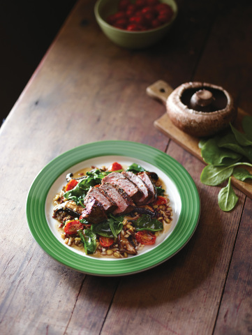 Pepper-Crusted Sirloin & Whole Grains (Photo: Business Wire)