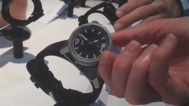 A quick 3-second video demonstrating the reversible capabilities on the iFit Duo watch. See it at the iFit booth #74321 in the Sands Expo Center.